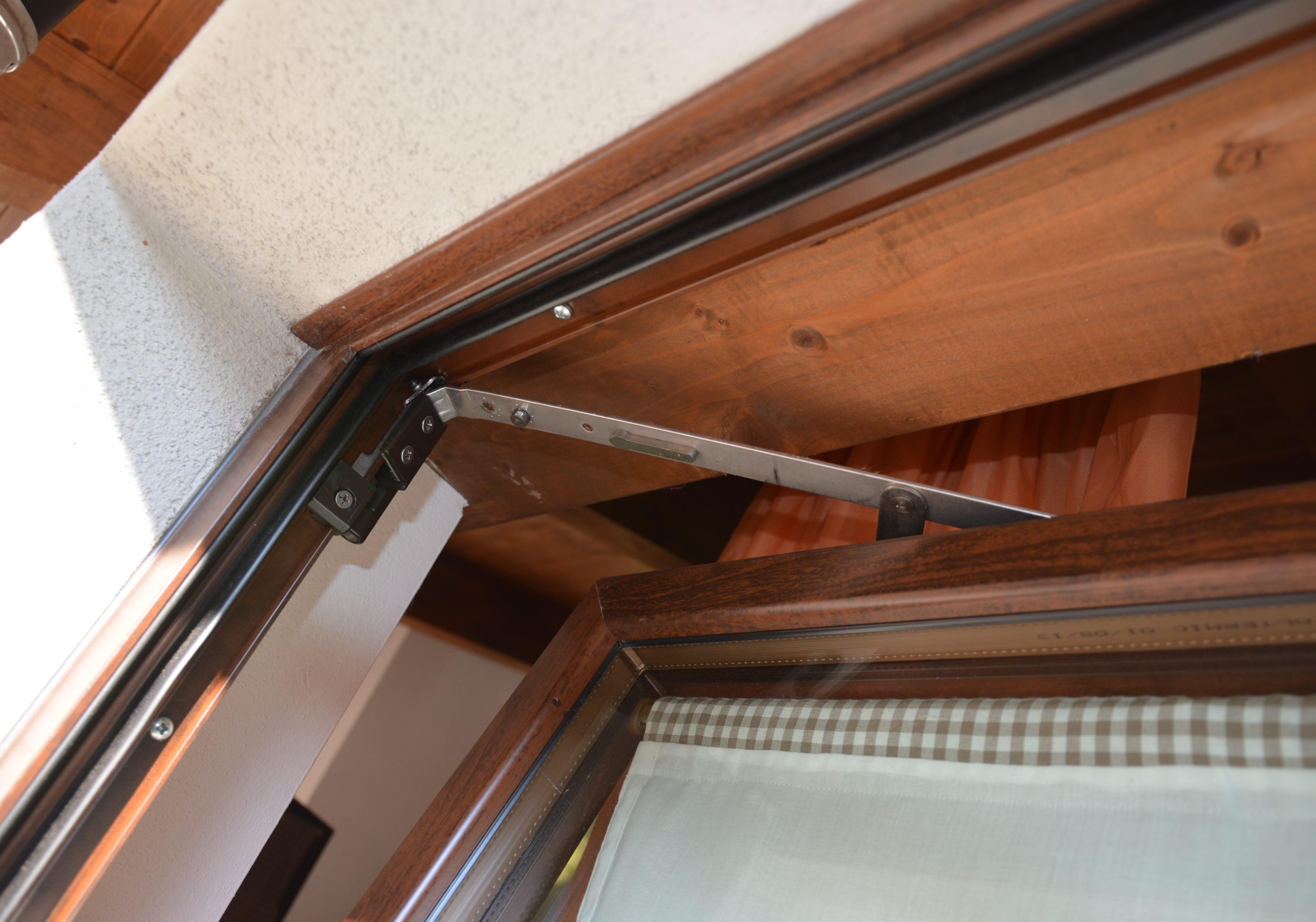 Ditta brunatti produzione porte e finestre in alluminio e pvc legno - Porte finestre legno ...